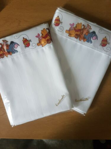 Winnie the Pooh Satin Edge Small White Striped Moses Basket Top Sheet