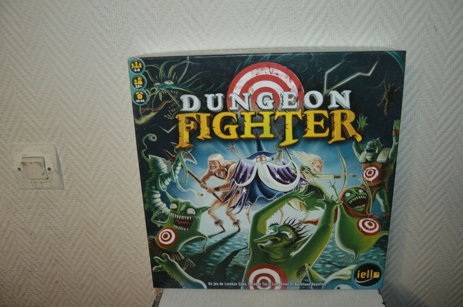 JEU DE PLATEAU DUNGEONS FIGHTER VINTAGE 2012 IELLO BOARD GAME FANTAISY COMPLET