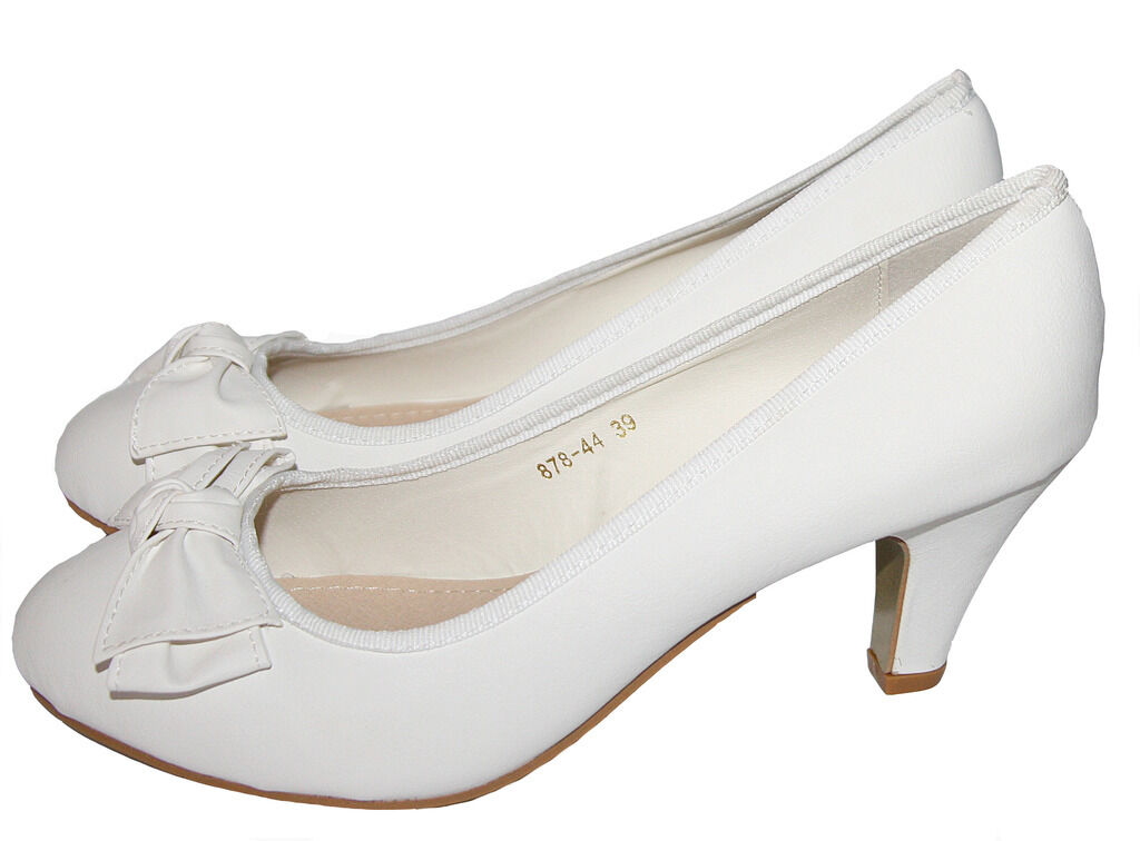 Bridal Shoes Pumps in Leather Look in Cream White Small Heel M 098