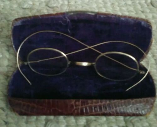 True Vtg 1900s Eye Glasses Wire Frame Full Rimmed