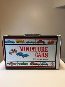 MATTEL-1966-40-MINIATURE-CARS-CARRYING-CASE-Hot-Wheels-Redlines-Era