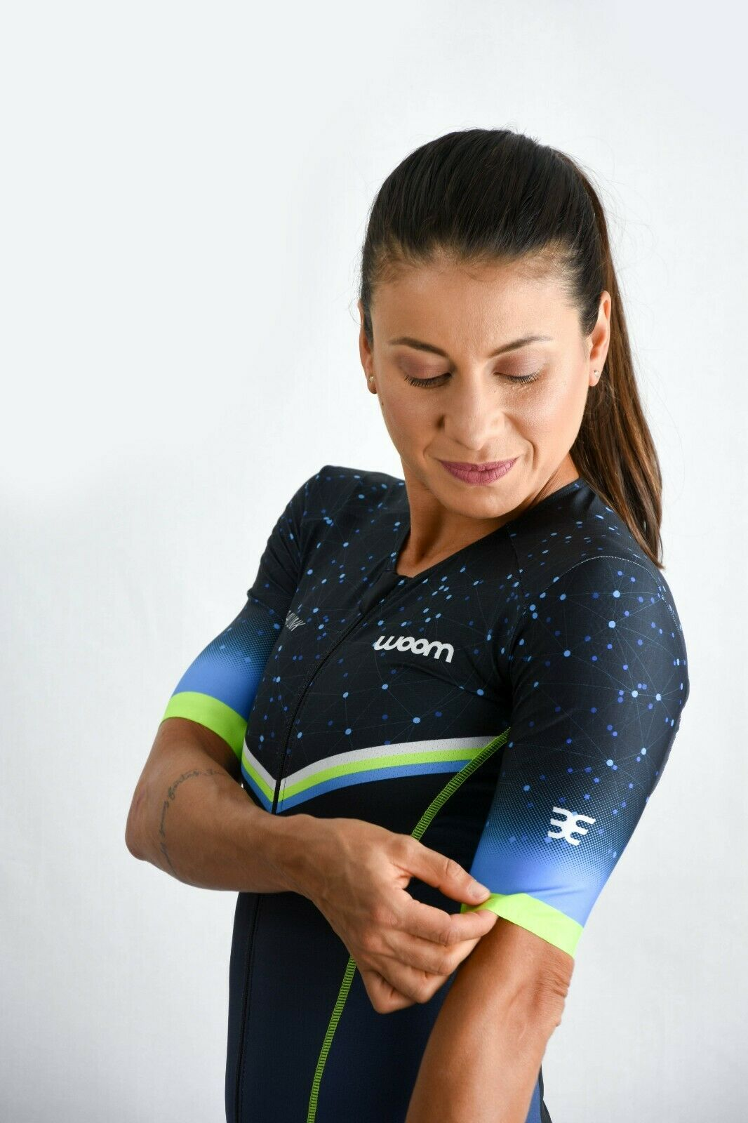 Women's Aero Sleeve Two piece Tri Kit - WOOM (Link)