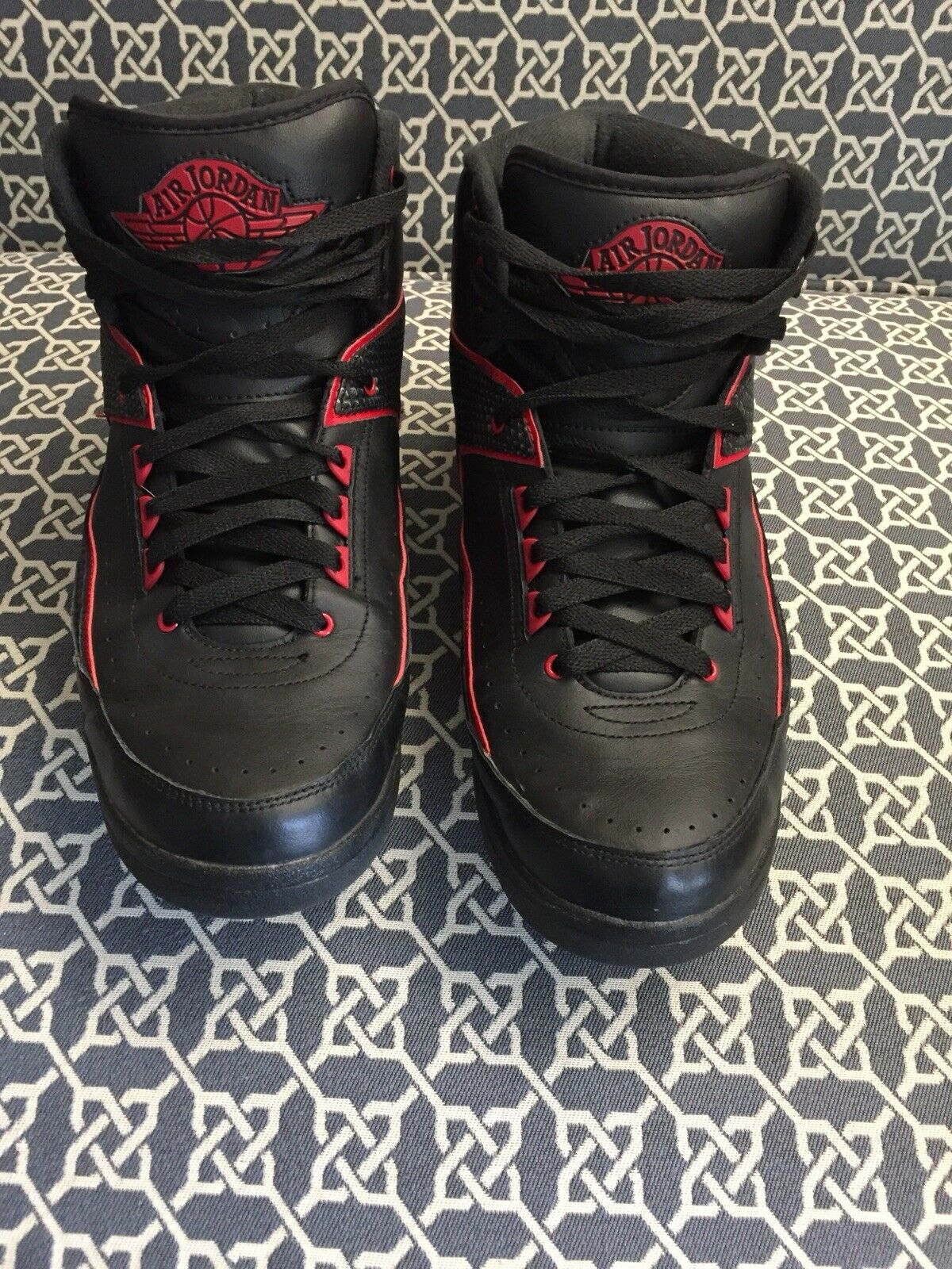 Jordan 2 Retro black Red size 12