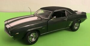 1969-Chevrolet-Camaro-Z-28-Danbury-Mint-1-24-Scale-Die-Cast-Ltd-Edition