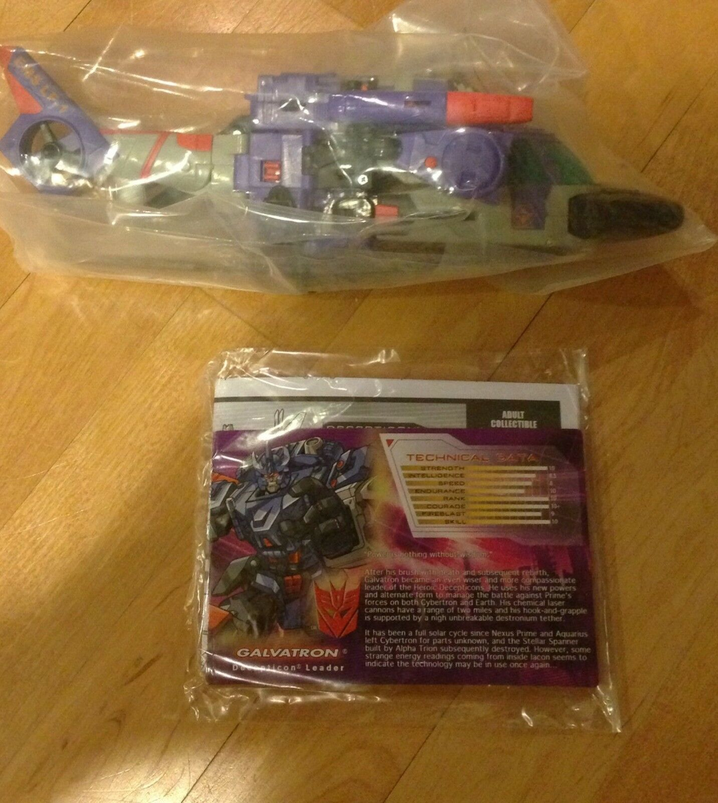 Botcon 2011 Galvatron Transformers vidrio destrozado Megatron maestro de acción