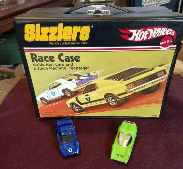 2006 Hotwheels Sizzlers Race Case - Vinyl - Mattel Toys -2 vehicles