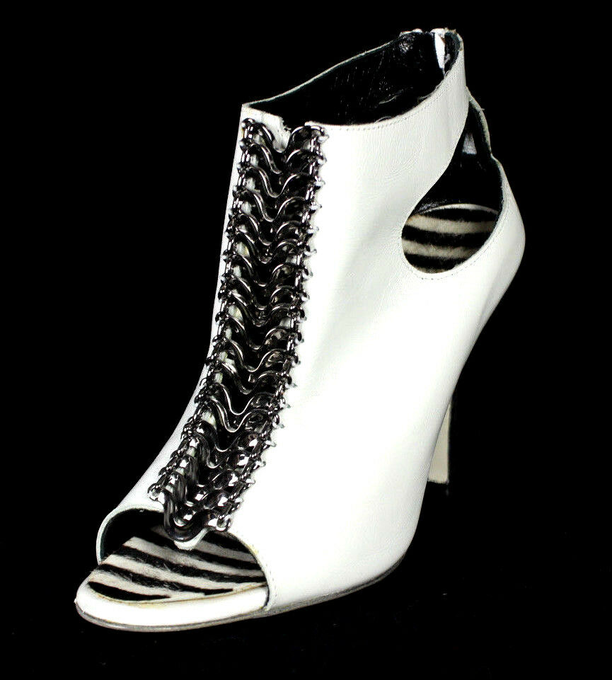 MANOLO BLAHNIK bianca Leather Cut-Out & Metal Chain Front Heels Booties 38.5