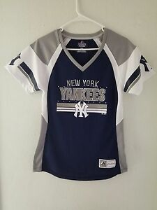NEW Majestic MLB Apparel NEW YORK YANKEES V-Neck Jersey Womens  39bc48a62
