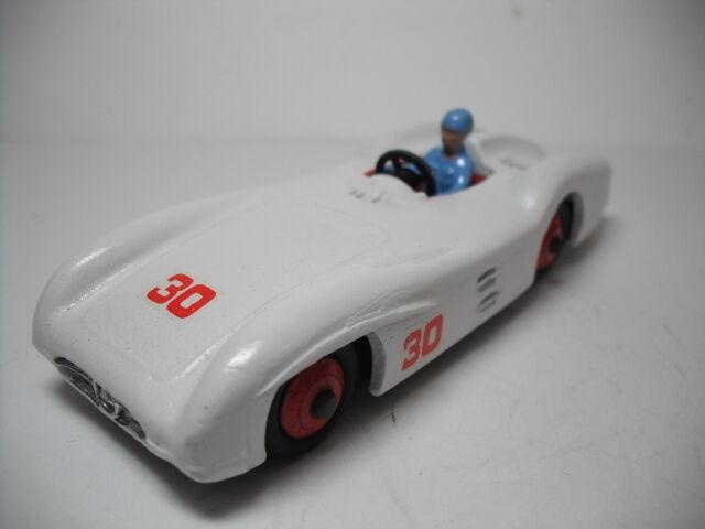 DINKY TOYS MECCANO Mercedes voiture de course No.237 Fabriqué en Angleterre. restauré 2