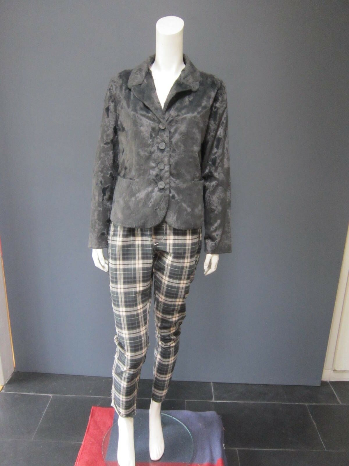 NOVEMBER trousers   pants  NEW  size M  98 % cotton     tartan & grey