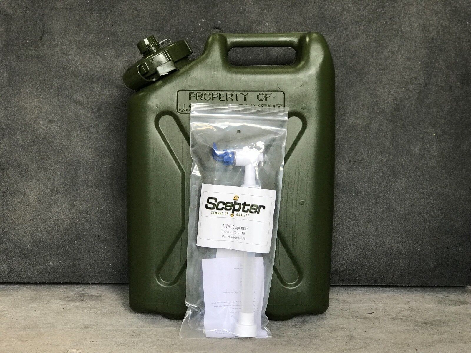 NEW 5 Gallon 20L   Water Can with Scepter Spigot BPA Free   MWC Jerry Can