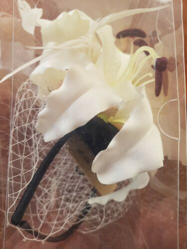 Fascinator Head Dress cream with net from river island BNIB