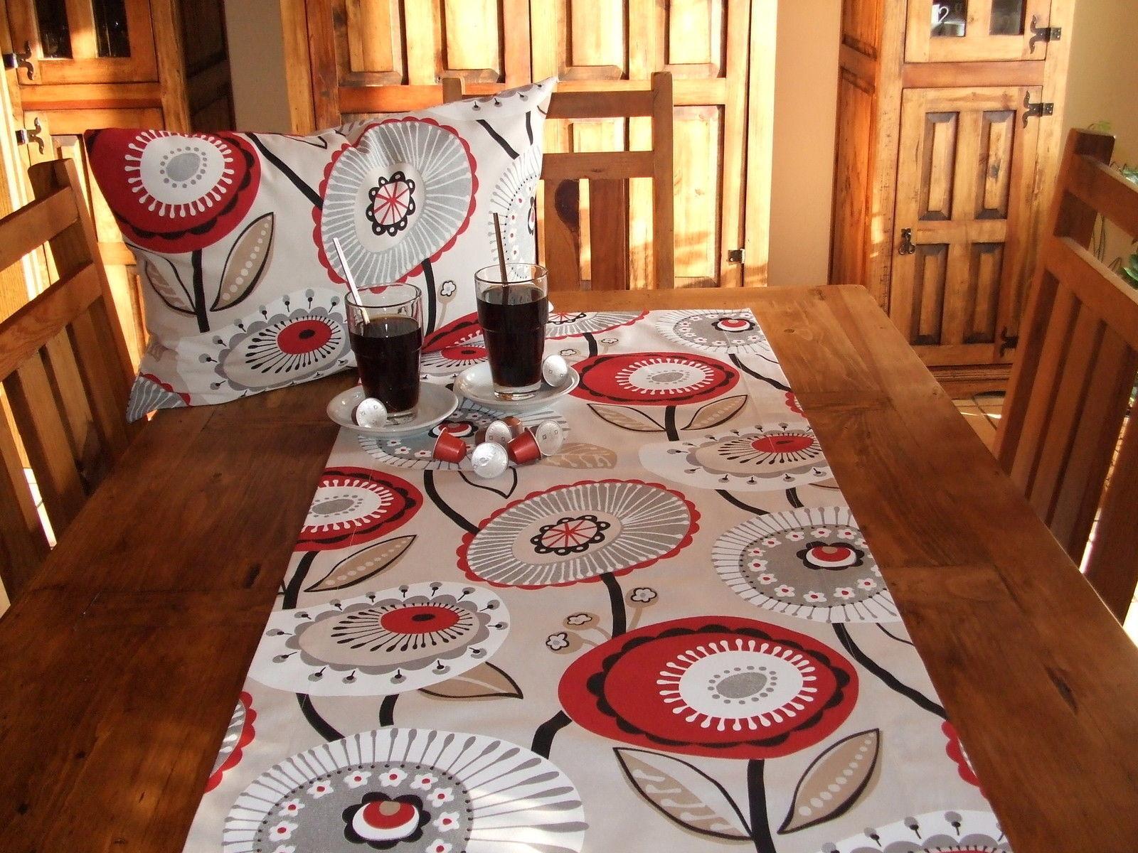 Tischläufer Retro Rot, Baumwollmischung | Charmantes Design