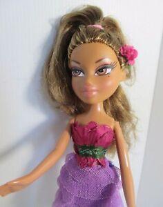 BRATZ-DOLL-DARK-BLONDE-BROWN-HAIR-pretty-pink-frock-amp-high-heels