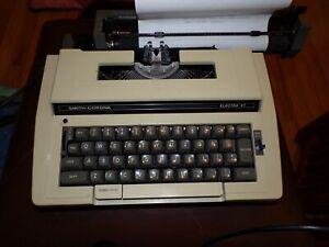 Smith Corona Portable Typewriter Model 3L Electra XT w/ Case FREE SHIPPING