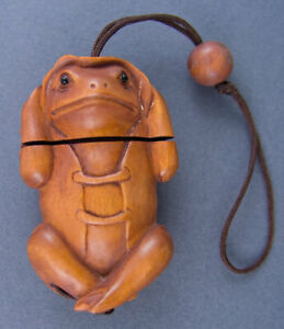 Weirdwood rosary bead carved in boxwood