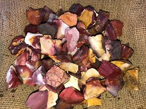 1000-Carat-Lots-of-Mookaite-Jasper-Rough-a-FREE-Faceted-Gemstone