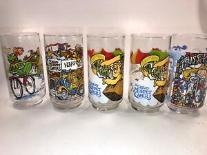 """McDonald/'s /""""The Great Muppet Caper/"""" glasses featuring Miss Piggy 1981 vintage"""