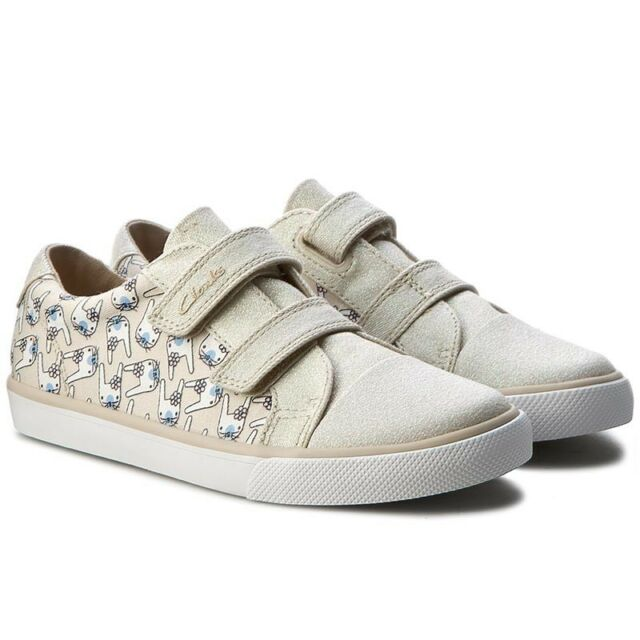 GIRLS CLARKS BRILL FIZZ LACE UP JUNIOR PUMPS CANVAS SHOES SUMMER TRAINERS SIZE