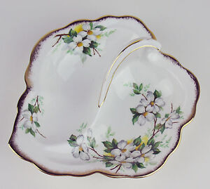 Leaf-Shaped-Divided-Serving-Dish-Vintage-Royal-Albert-White-Dogwood-England