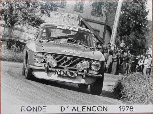 419 . 1 X Photo . Alfa Romeo . Ronde D'alencon . 1978 . Format : 18 X 24 Cm .