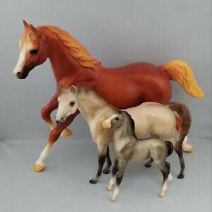 Breyer-Running-Mare-Breyerfest-Classic-Grullo-Mesteno-Foal-Model-Horses