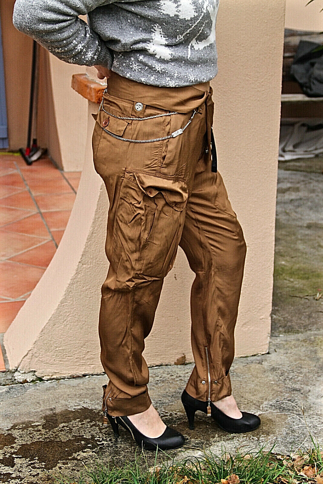 Trousers glossy camel with chain HIGH USE size 34 fr W24 NEW LABEL
