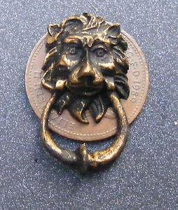 1:12 Scale Metal Antiqued Lion Head Door Knocker Tumdee Dolls House Miniature