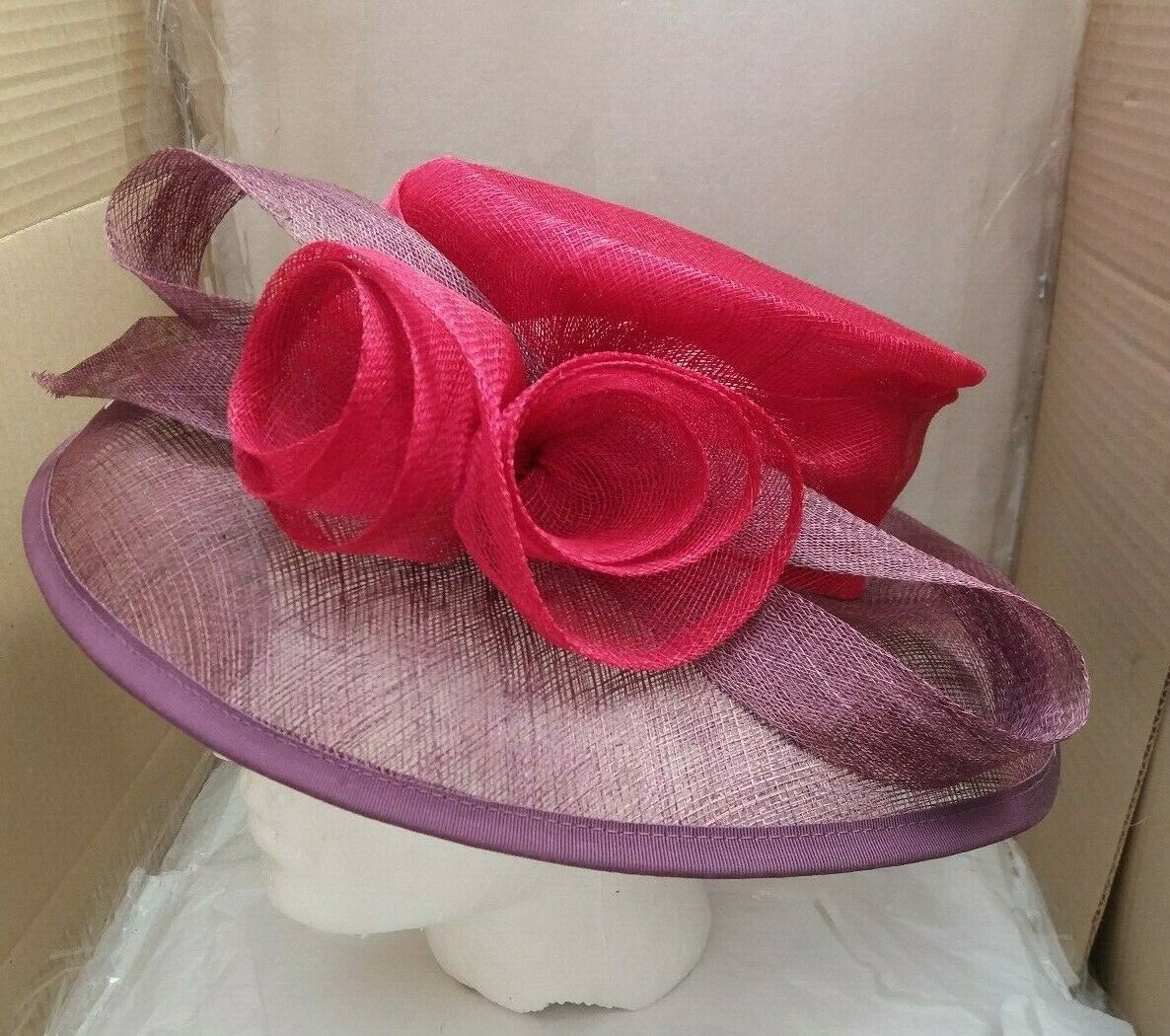 Gorgeous HATBOX Wedding / Special Occasion / Day at the Races Hat