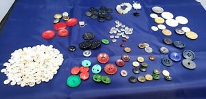Vintage-Buttons-Bakelites-Wafers-Celluloid-civil-war-ANTIQUE-Victorian-Glass