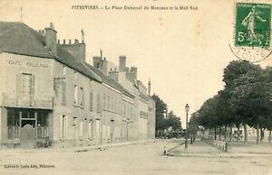 PITHIVIERS-La-Place-Duhamel-du-Monceau-et-le-Mail-Sud-Jolie-porte-Cafe-d-039-Orleans