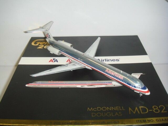 Gemini Jets 200 American Airlines AA MD-82  1990s color - Polish  1 200 Diecast