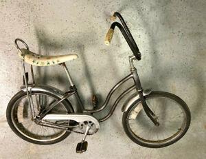 Schwinn Stingray bicycle vintage (originally pink?)