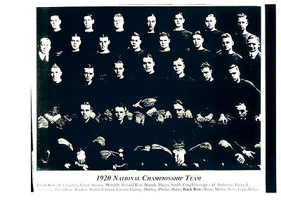 1913 NOTRE DAME IRISH KNUTE ROCKNE 8X10 TEAM PHOTO