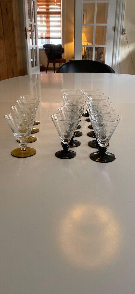 Glas, Snapseglas eller andet glas.