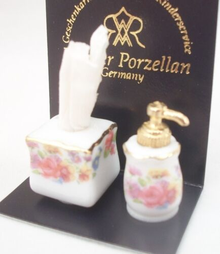Soap Dispenser /& Tissue Set 1.911//0 miniature dollhouse 1//12 scale Reutter 2pc
