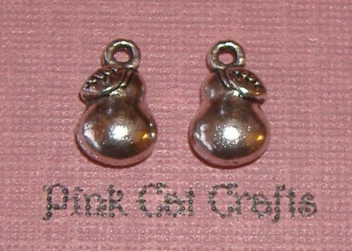 10 x Tibetan Silver PEAR FRUIT FOOD 3D Charms Pendants Beads