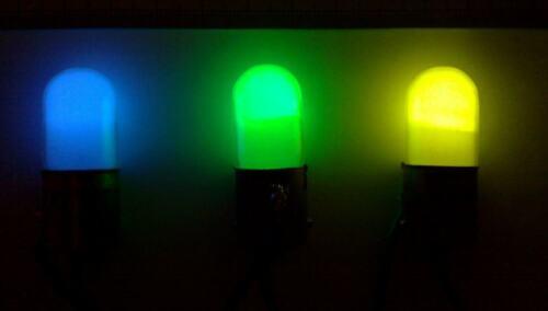 Neon Bulb Ten pcs Green Colored Cold Cathode Indicator Lamp Small B.C.15 Qty 10