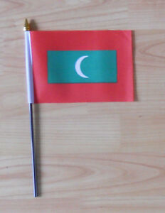 Maldives-Country-Hand-Flag-small