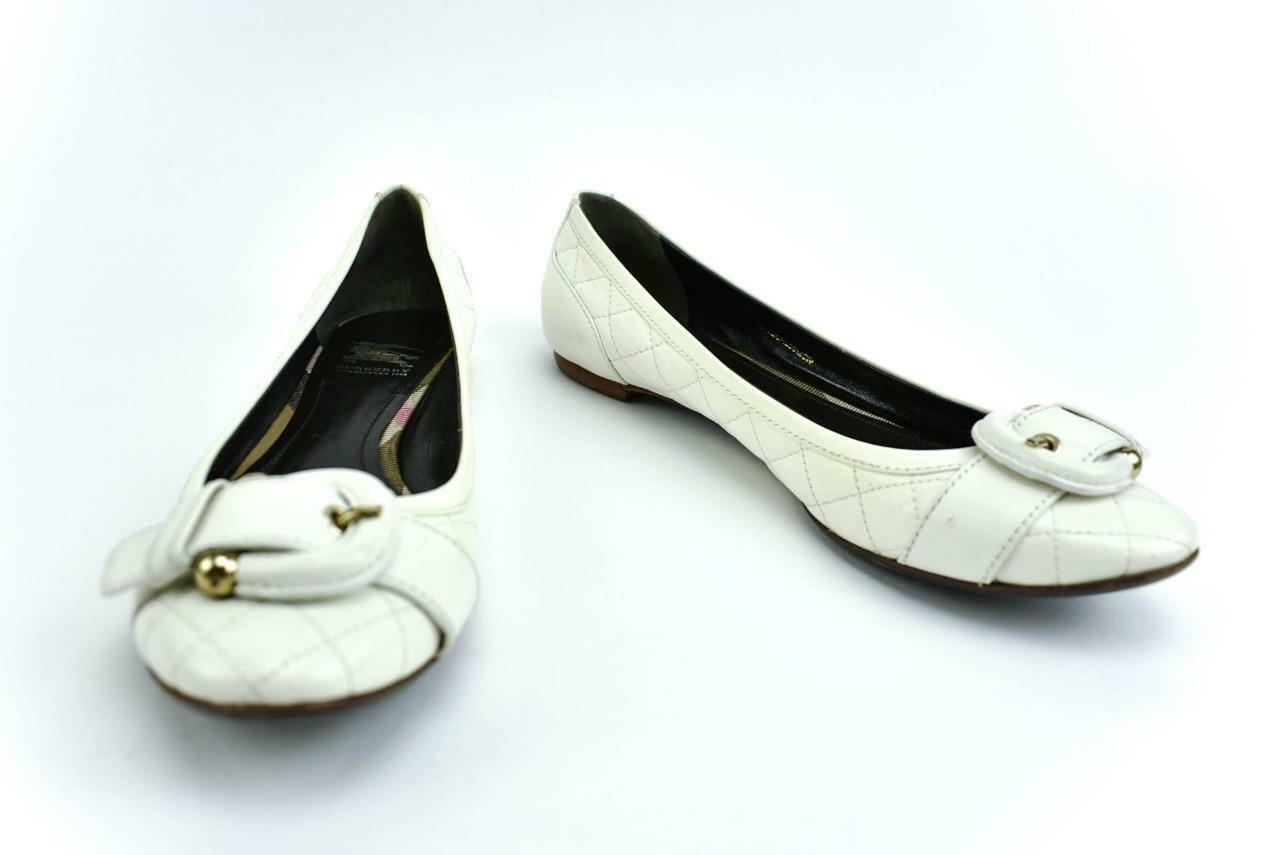 BURBERRY  blanc Quilted Leather &  Stirrup  Buckle, Ballet Flats Sz  9M