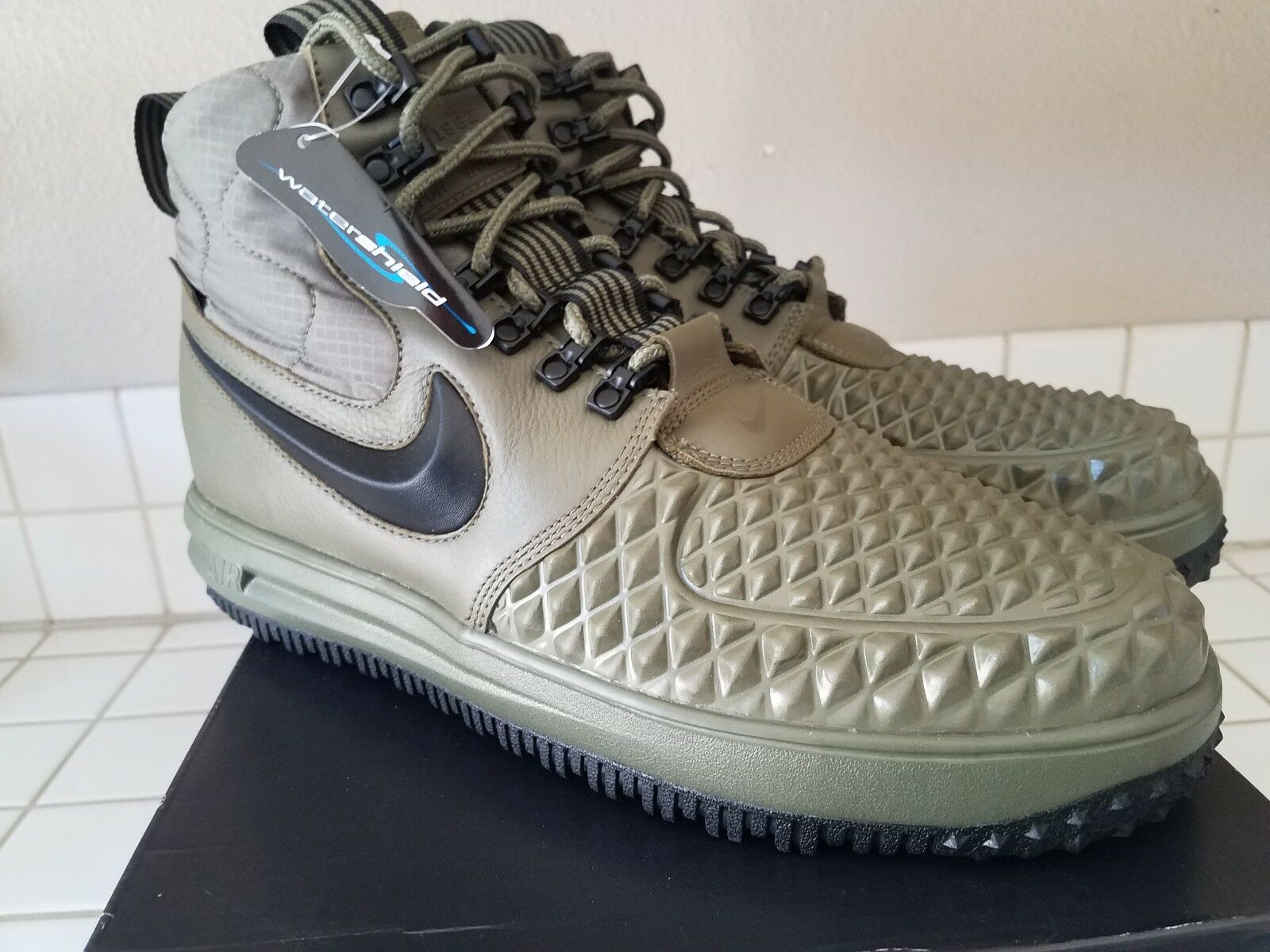 Nike LF1 Duckboot 17 Medium Olive Green Black Wolf Grey SZ 11.5 (916682-202)