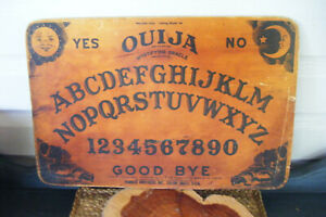ANTIQUE-VINTAGE-RARE-WOOD-OUIJA-BOARD-MYSTICAL-GRAPHICS-HALLOWEEN-PARTY-USA