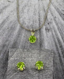 6mm-Peridot-Gemstone-Earrings-and-Pendant-Set-with-chain-in-Sterling-Silver