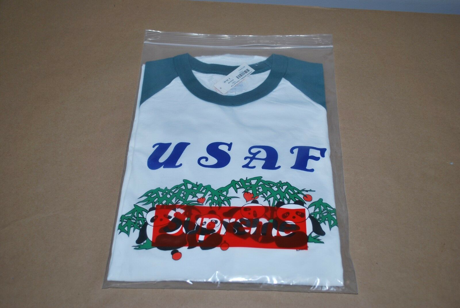 Brand Nuovo Supreme Pandas Baseball Raglan T-Shirt S/S S/S S/S 17 Uomo - Medium 2e5712