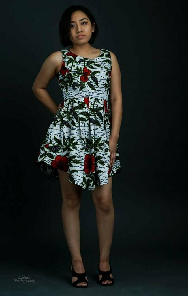 Casual woman sleeveless floral dress