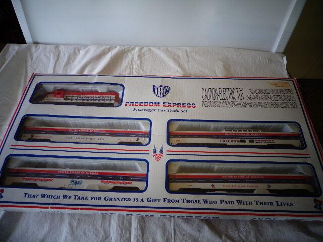 IHC  HO SCALE gratuitoDOM EXPRESS PASSENGER auto TRAIN SET 1776-1976 READY-TO-correre SET