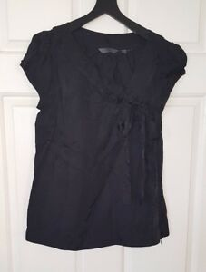 CUE-Black-Fitted-Top-Size-8