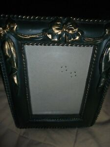 """Vtg Green-Gold Ornate 3""""x 4.5"""" Photo Picture Frame Free-standing or Wall Hang 60"""
