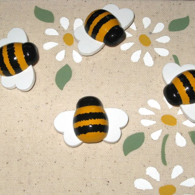 BUMBLEBEE HONEY BEE PUSH PINS TACKS BULLETIN MEMO MESSAGE CORK MEMORY NOTE BOARD