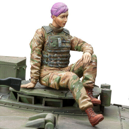 SOL RESIN FACTORY, British Armed Forces Female Tank Gunner, MM284, SCALE 1 16
